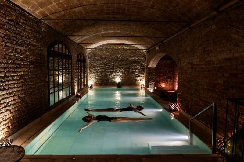 aire de barcelona underground spa bath