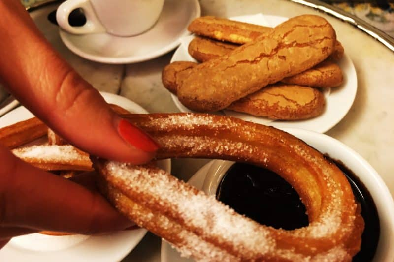 churros with chocolate