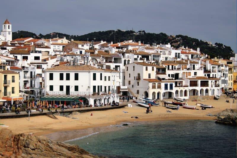 beach of calella de palafrugell
