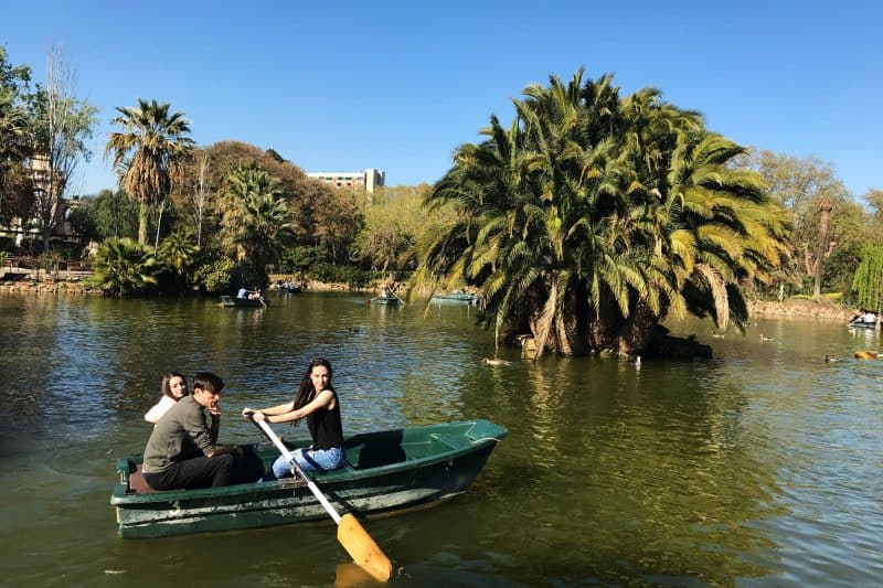park de la ciutadella pond and rowboats
