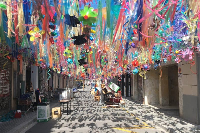 fiestas de gracia decorations