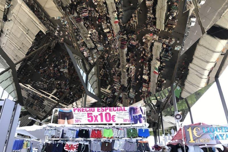 El mercat dels encants flea market