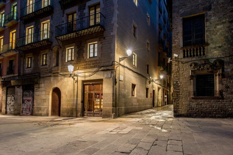 gothic quarter of barcelona at night