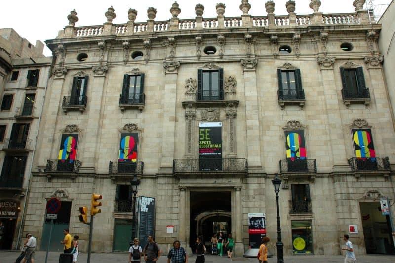 facade of palau de la virreina