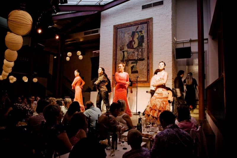 flamenco performance at tablao de carmen