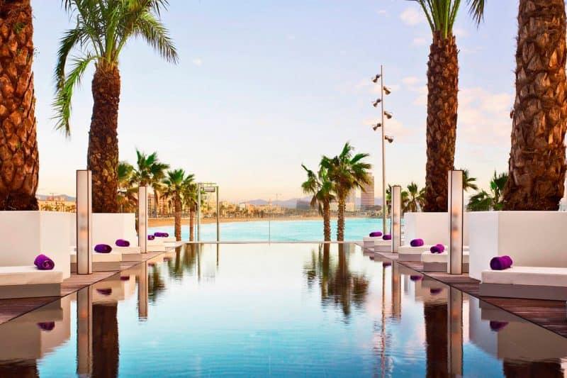 poolside bar hotel W