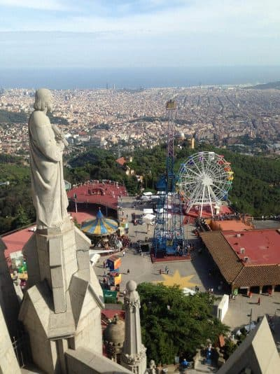 The view from Tibidabo over the amusement park and the city